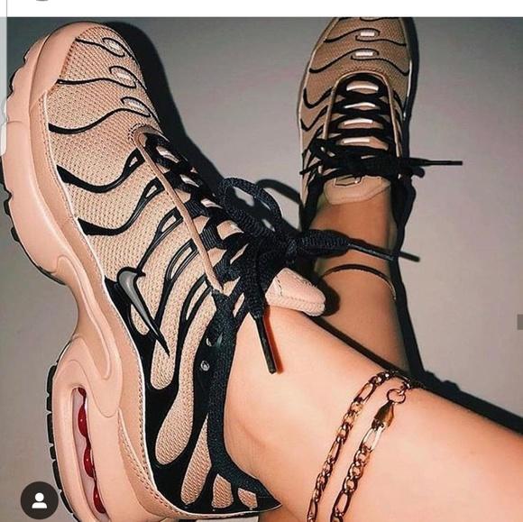 save off 4a5ff 42ab5 Nike Airmax plus desert tan nude sneakers